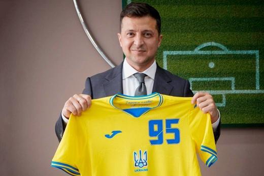Скандальная форма Украины на Евро будет изменена. УЕФА послушался Россию