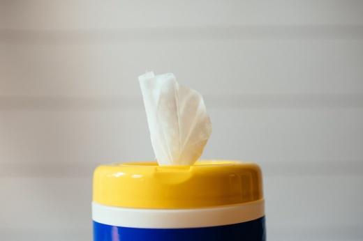 Как влажные салфетки влияют на кожу?
