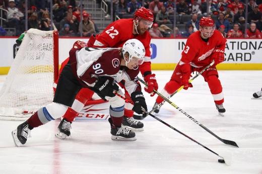 «Аризона» хочет Подколзина, а «Детройт» — Наместникова? Каких сделок уже ждут в НХЛ