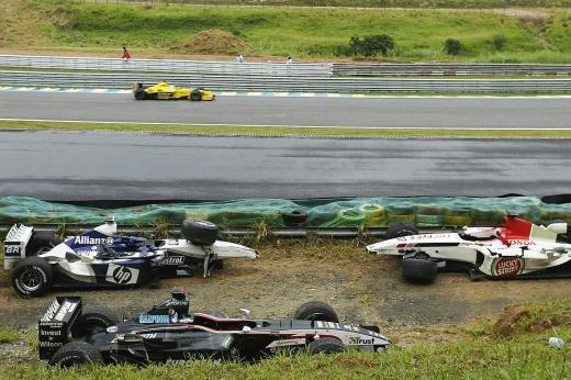 Самые странные гонки в истории Формулы-1. 7 чудачеств — ещё до сорванного ГП Бельгии
