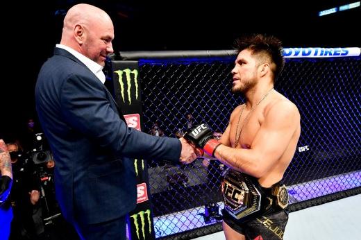Тройной чемпион решил вернуться в UFC? Дайте его Яну!