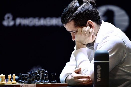 Непомнящий уступил Карлсену. Но поражение россиянина в Ставангере — это не страшно