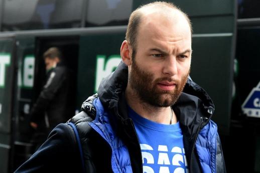 Самый грязный игрок вернулся в КХЛ. Захарчук уже начал «убивать»