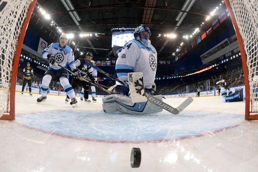 «Сибирь» — худшая команда КХЛ. Как такое возможно?