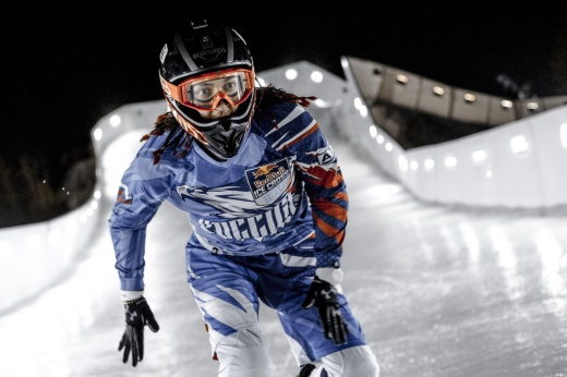Как правильно делать разминку: 3 любимых упражнения топового райдера Red Bull Ice Cross