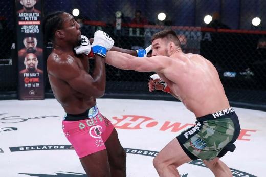 Немков разобрал американца на запчасти. Россиянин — лучший боец Bellator в апреле