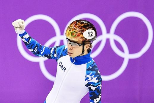 Люди! Готовы ли вы поздравить сборную России с первой медалью?