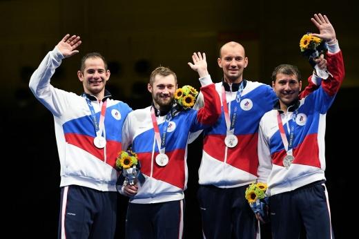 Первая медаль за 25 лет! Российские шпажисты сотворили сенсацию на Олимпиаде-2020