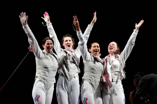 Героическая победа фехтовальщиц порадовала всю Россию. Есть очередное золото Олимпиады!