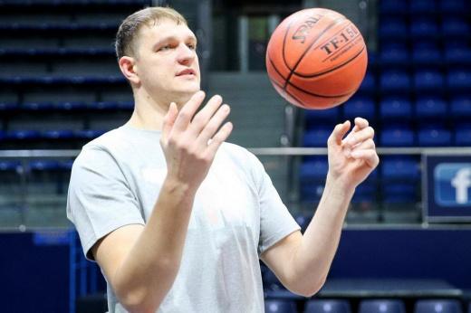 Центровой «Химок» Тимофей Мозгов сыграл первый матч за 1015 дней – интервью с баскетболистом