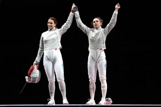 Саблистки принесли России золото и серебро Олимпиады. Так почему же хочется плакать?