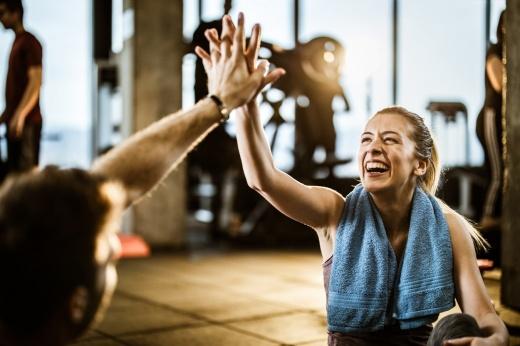 Как избавиться от боли в спине и улучшить осанку? Упражнения для здоровой спины, видео
