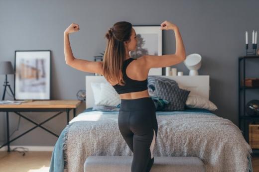 Упражнение, которое поможет проснуться: техника выполнения Сурьи Намаскар