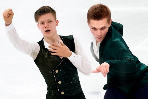 Двум российским фигуристам зажали оценки. Спорное судейство на командном чемпионате мира