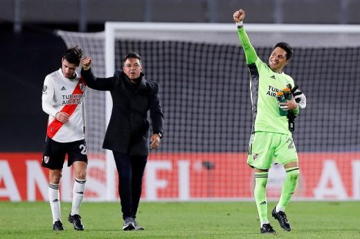 Полузащитник отыграл весь матч в воротах и стал MVP! Удивительный случай в Аргентине