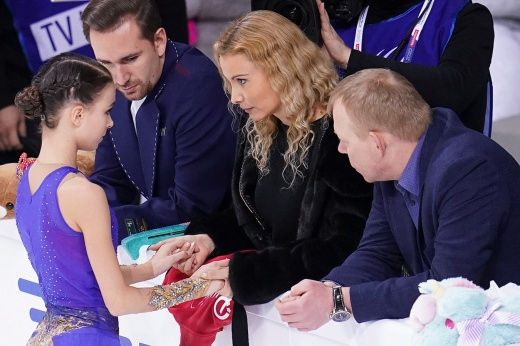 Норвегия требует поднять возрастной ценз в фигурном катании до 17 — кому выгодно, что будет с российскими фигуристками