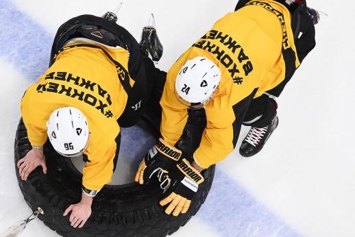 Клуб КХЛ выгнал 15 хоккеистов за месяц. Чего мы не знаем?