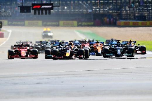 Гран-при Великобритании: Хэмилтон догнал Ферстаппена, Мазепин обогнал Шумахера, подиум Леклера