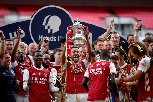 Обамеянг — герой. Принёс «Арсеналу» трофей и еврокубки