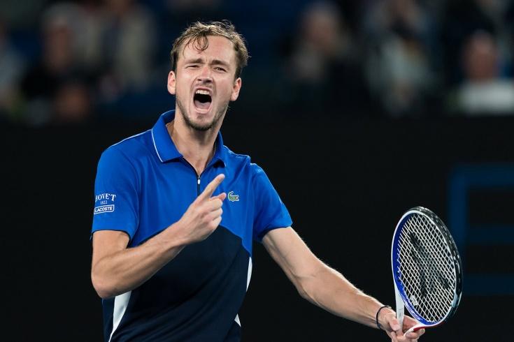 Итоговый чемпионат ATP. Медведев справился со Зверевым. У россиянина отличные шансы на плей-офф