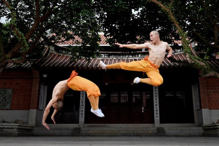 Как тренируются шаолиньские монахи?