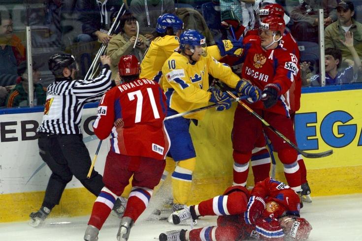 ЧМ-2008: швед Мюррей сломал капитана сборной России Морозова, Ковальчук пошёл мстить