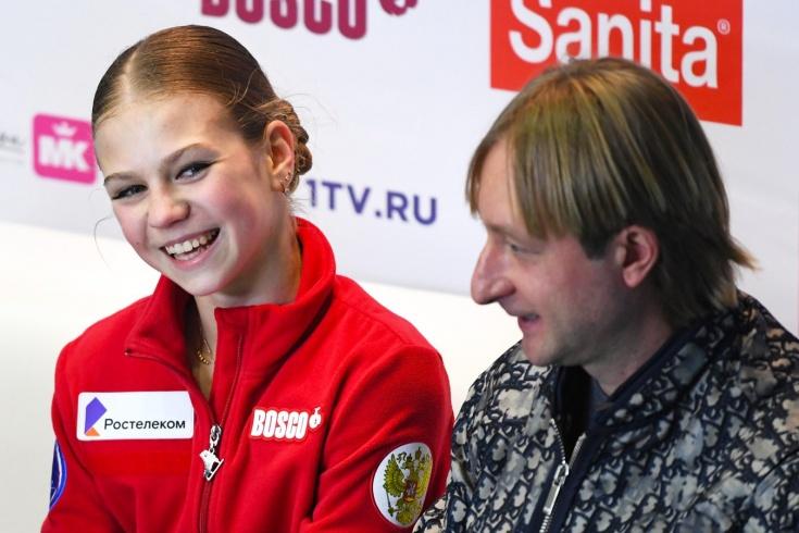 Александра Трусова вернулась в группу Этери Тутберидзе — реакция болельщиков, насмешки над Плющенко