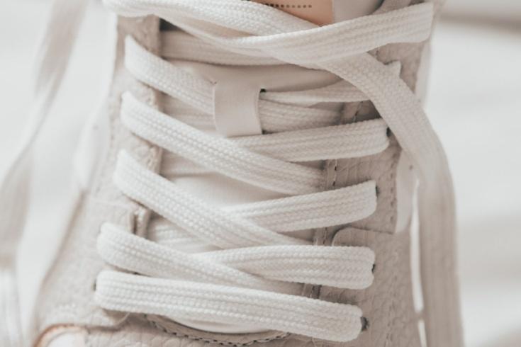 Какие технологии используют для создания спортивной обуви?
