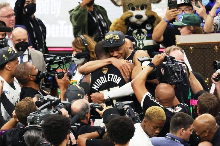История творится на наших глазах. «Милуоки» стал чемпионом НБА впервые за 50 лет!