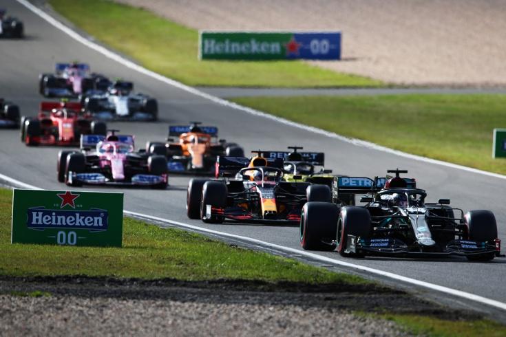 Хэмилтон повторил суперрекорд Шумахера. А Риккардо принёс-таки «Рено» подиум!
