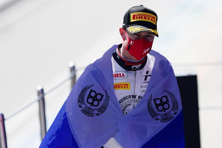 Россию лишат флага ещё и в Формуле-1? Авторы санкций проспали старт сезона, но опомнились