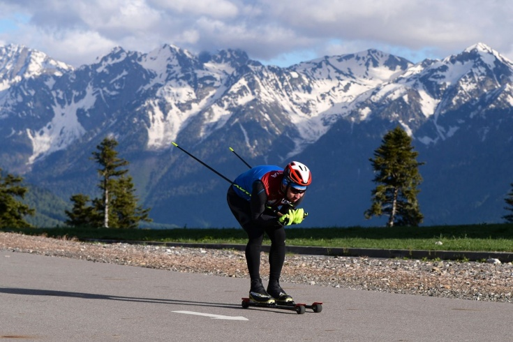Сборная России по биатлону готовится к олимпийскому сезону: как тренируются Логинов, Гараничев, Латыпов – фото