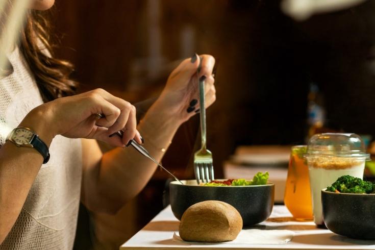 Нужно ли не ужинать при похудении, получится ли похудеть быстрее, если отказаться от ужина
