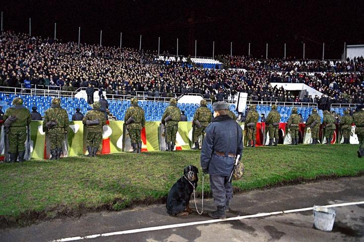 Какими были стадионы в России в 2000 году