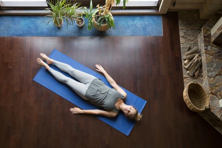 Что произойдёт, если 30 дней спать на полу? Эксперимент блогера, мнение врачей