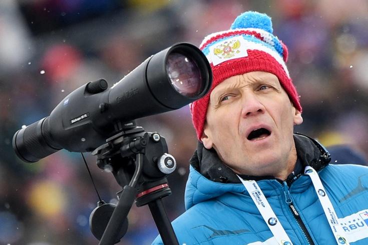 Тренер сборной России по биатлону Хованцев недоволен итогами мужского спринта в Германии
