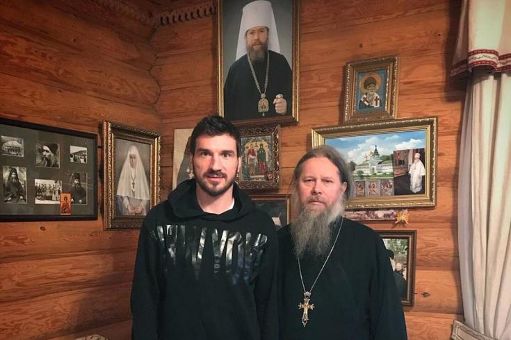 «Алкоголь выигрывал у меня дуэль. Решил идти в монастырь». Откровенное интервью с Жердевым