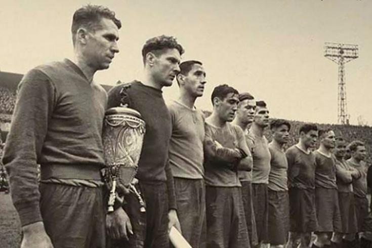 Футбол срывали обстрелами. Во время войны играли даже в блокадном Ленинграде