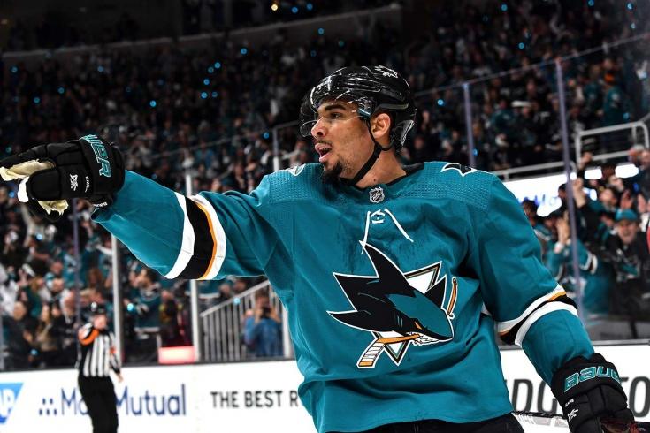 Нападающий «Сан-Хосе Шаркс» Эвандер Кейн объявил о банкротстве и может пропустить предстоящий сезон НХЛ