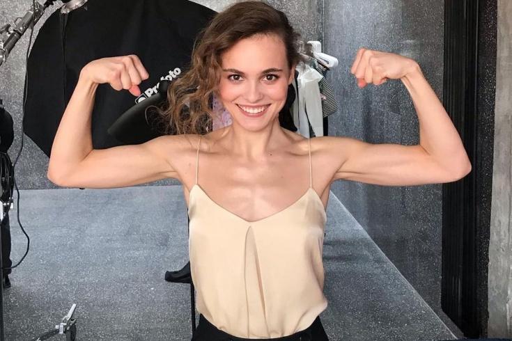 Тренировка для укрепления мышц спины и пресса в домашних условиях, лучшие упражнения от Ангелины Стречиной