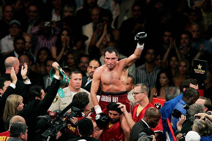 Флойд Мейвезер победил Оскара де ла Хойю спорным решением 5 мая 2007 года