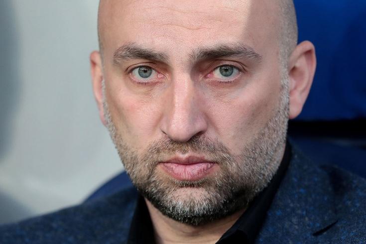 Адиев прокомментировал слова Рахимова. Тот сказал,