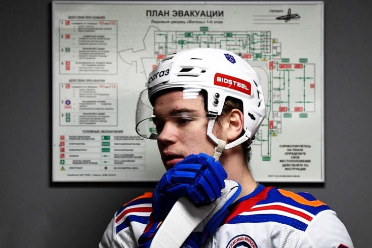 «Он может совершить прыжок напрямую в НХЛ». Что говорят в Канаде об игре Подколзина