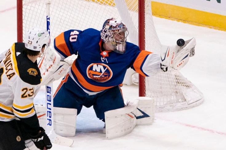 """Семён Варламов установил клубный рекорд и вошёл в историю НХЛ, обзор матча «Айлендерс» — Бостон"""", видео, голы, сейвы"""