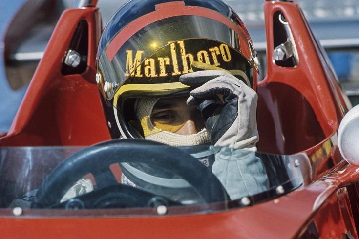 Единственный пилот в истории Ф-1, который был рад проиграть титул. А ещё гонял на «Ладе»