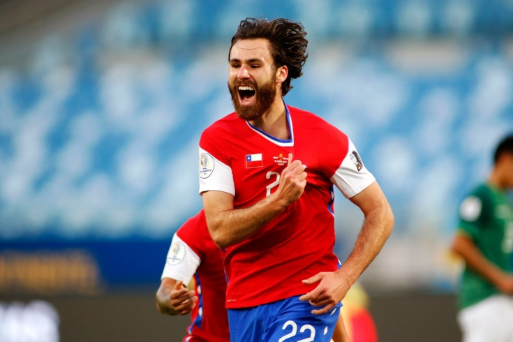 За Чили играет англичанин, которого нашли в Football Manager. Он даже не знает язык
