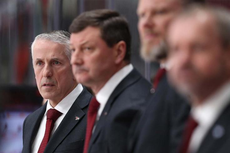 Лидеры Уфы проваливают дерби, Хартли не понял, во что играл «Авангард». Что творится в КХЛ