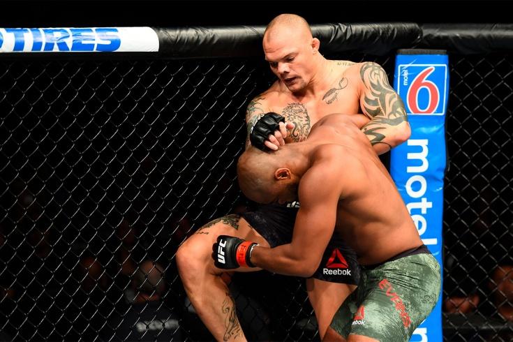 UFC 261 Усман – Масвидаль 2: архивный нокаут Энтони Смита, видео