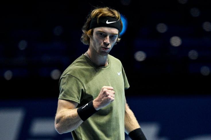Итоговый чемпионат ATP. Андрей Рублёв победил Доминика Тима в последнем матче сезона
