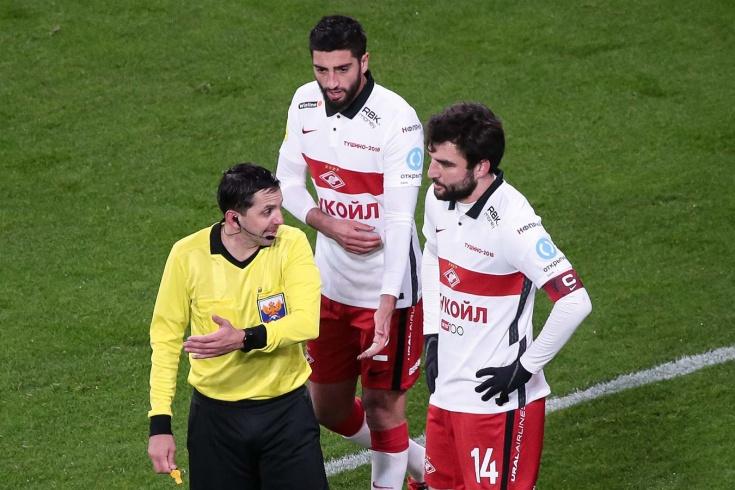 «Спартаку» забили с нарушением, «Зениту» не дали пенальти. Разбор судейства 14-го тура